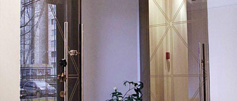 Стеклянные двери в Алматы: Распашные двери