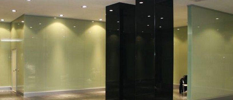 Колонны из стекла в интерьере