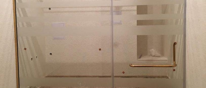 Стеклянные перегородки в Алматы: Перегородка в нишу для душа