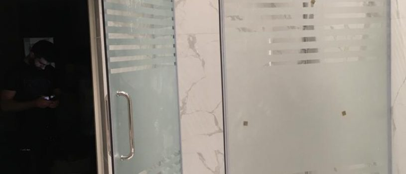 Стеклянные двери в Алматы: Для душевых кабин