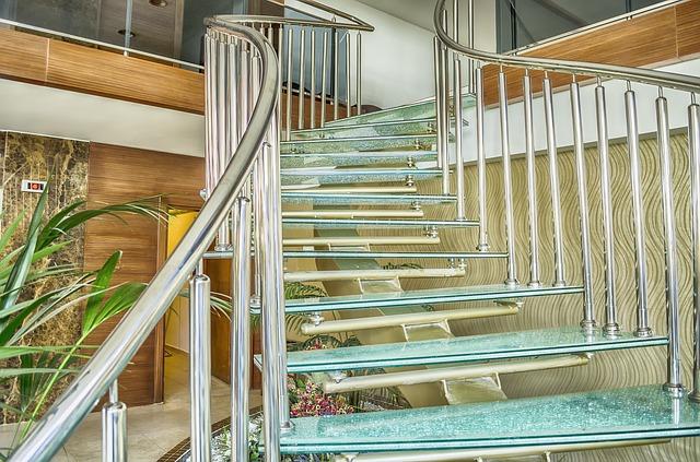 Стеклянные лестницы в Алматы