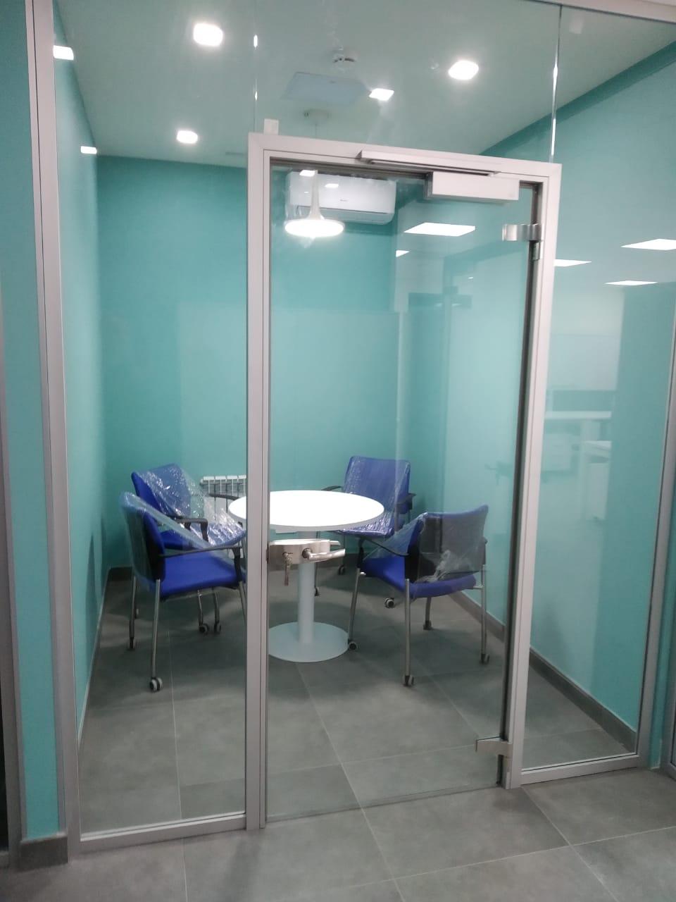 Стеклянные офисные двери в Алматы 2