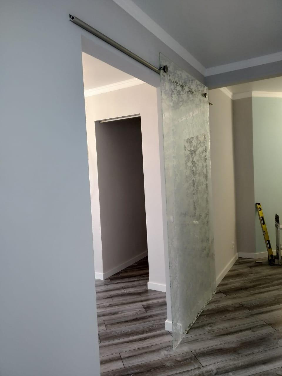 Стеклянные раздвижные двери в Алматы