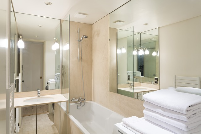 Стеклянные шторки на ванну в Алматы